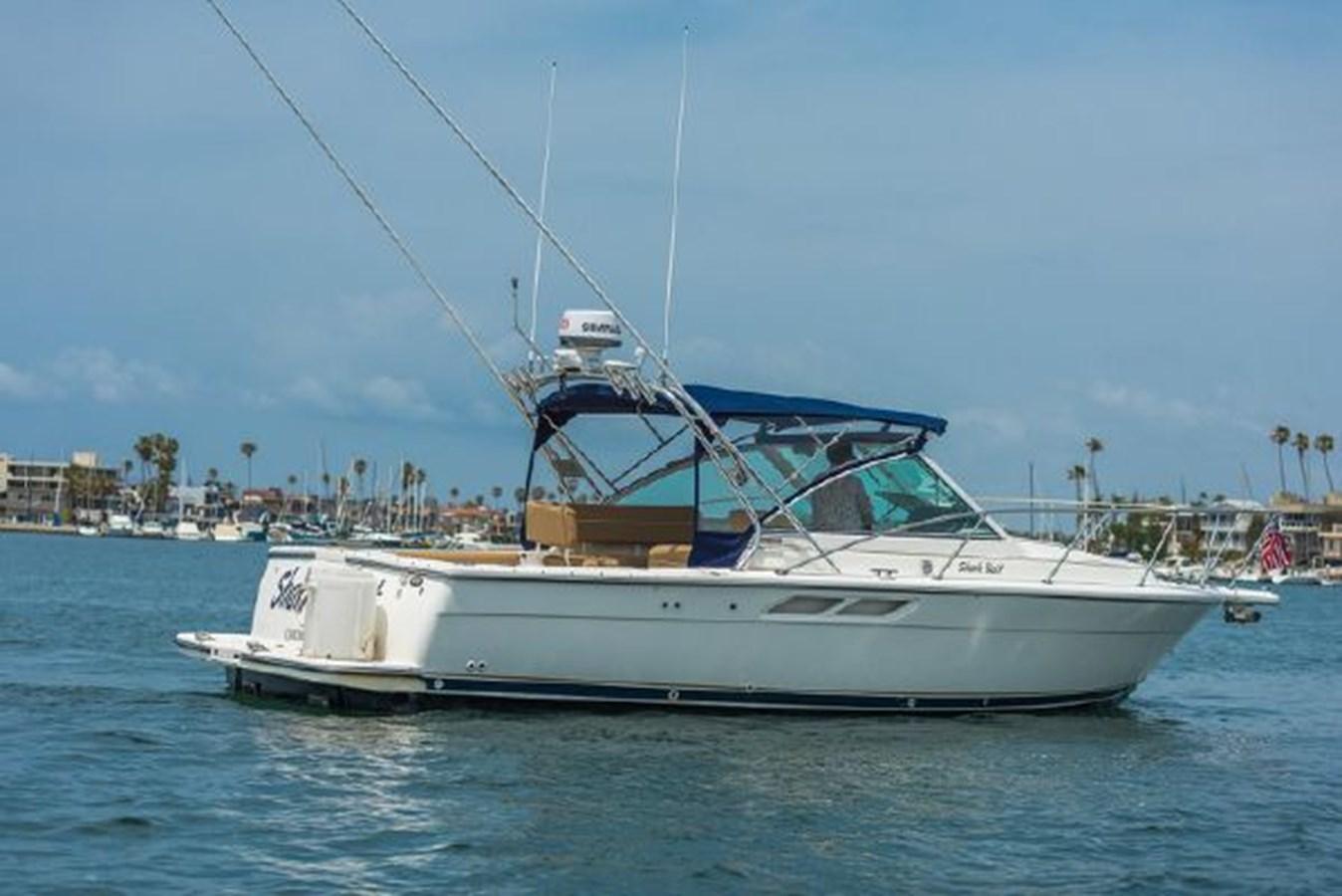 2 2000 TIARA 29 Coronet Sport Fisherman 2705595