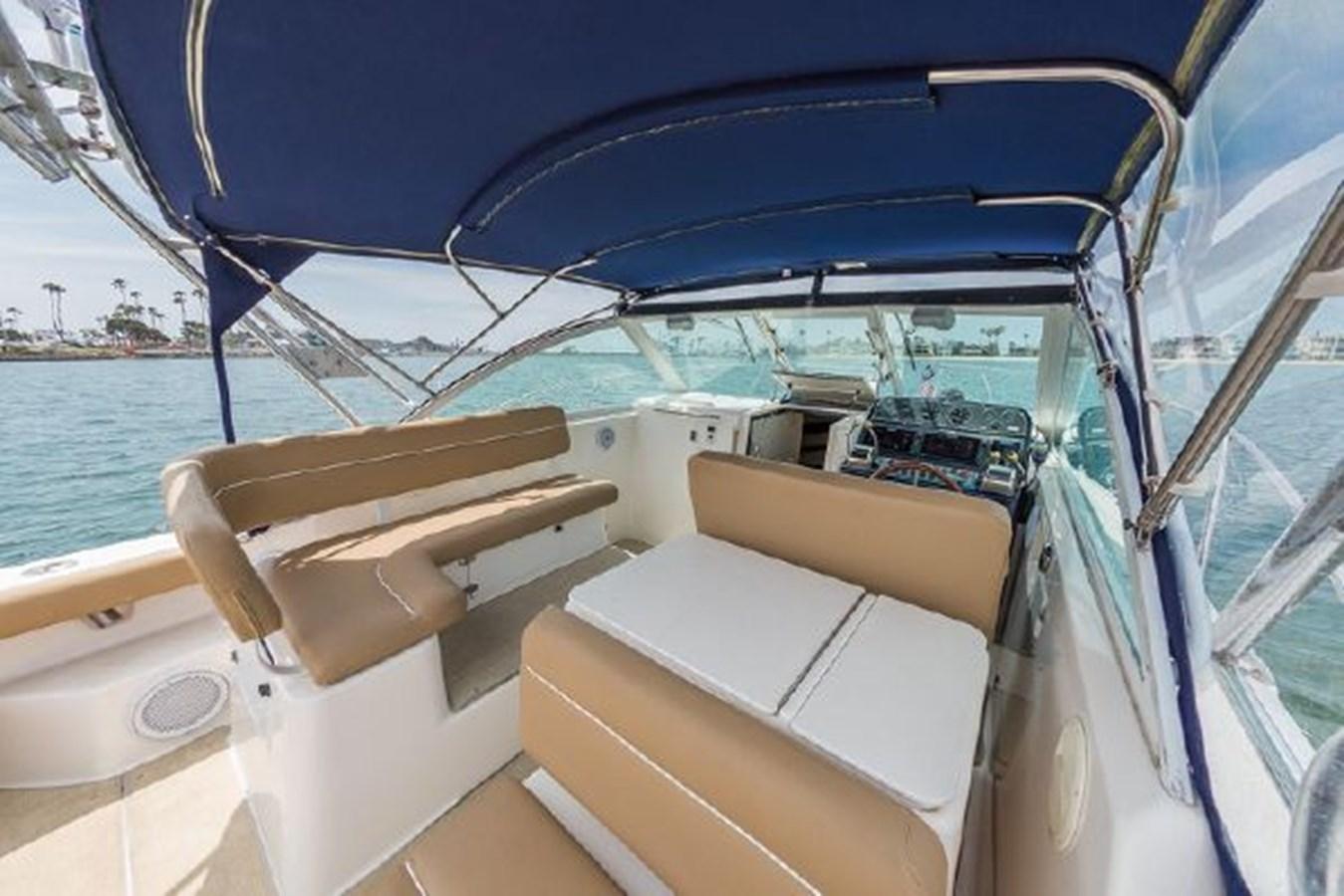 9 2000 TIARA 29 Coronet Sport Fisherman 2705602