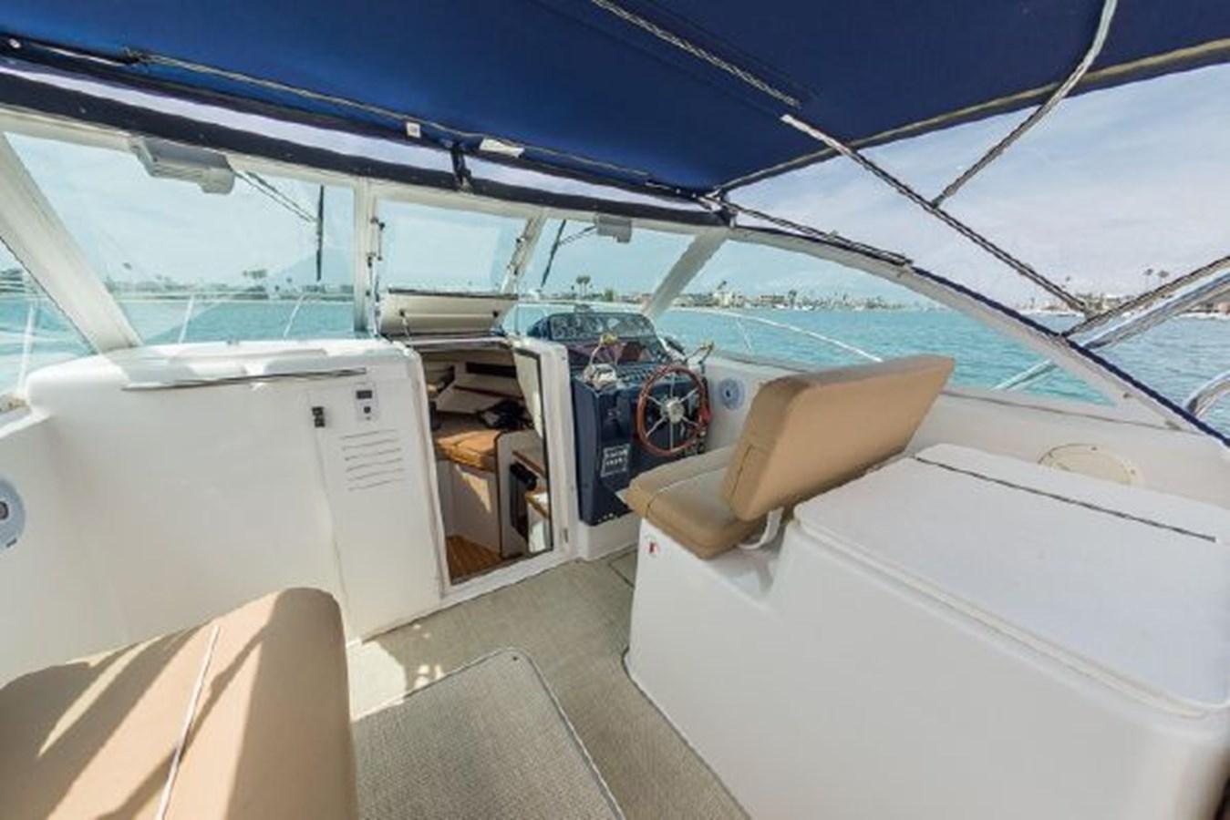 10 2000 TIARA 29 Coronet Sport Fisherman 2705603