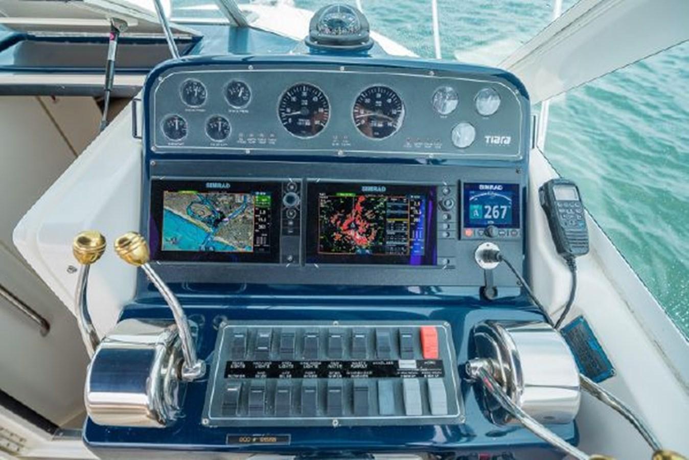 11 2000 TIARA 29 Coronet Sport Fisherman 2705604