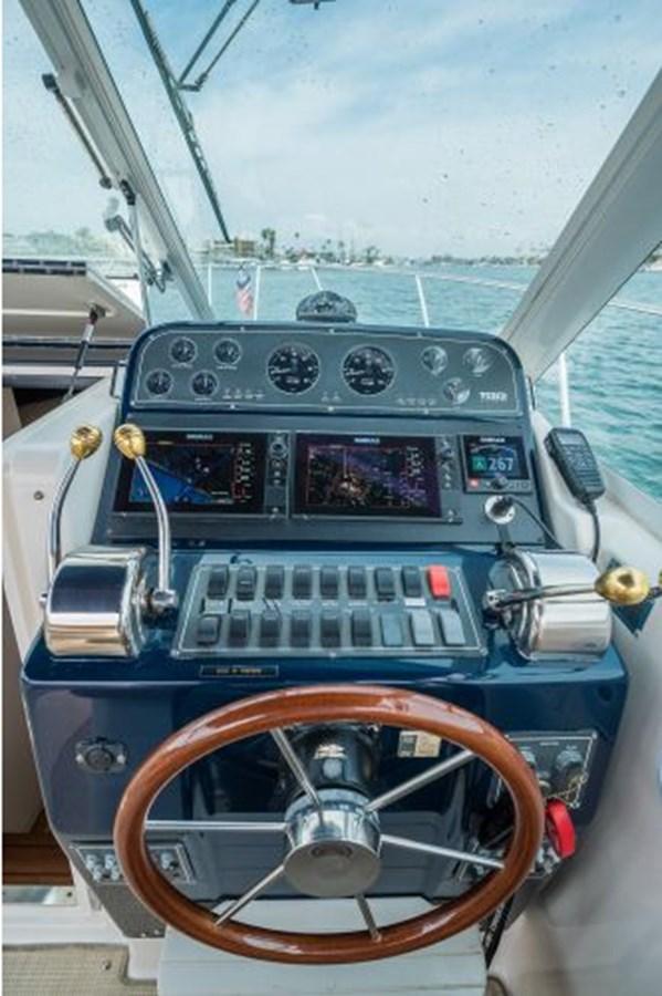 12 2000 TIARA 29 Coronet Sport Fisherman 2705605