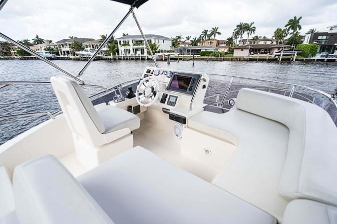 20 2011 AZIMUT 38 Flybridge (AKA 40 Fly) Motor Yacht 2706083