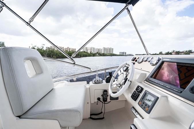 21 2011 AZIMUT 38 Flybridge (AKA 40 Fly) Motor Yacht 2706085