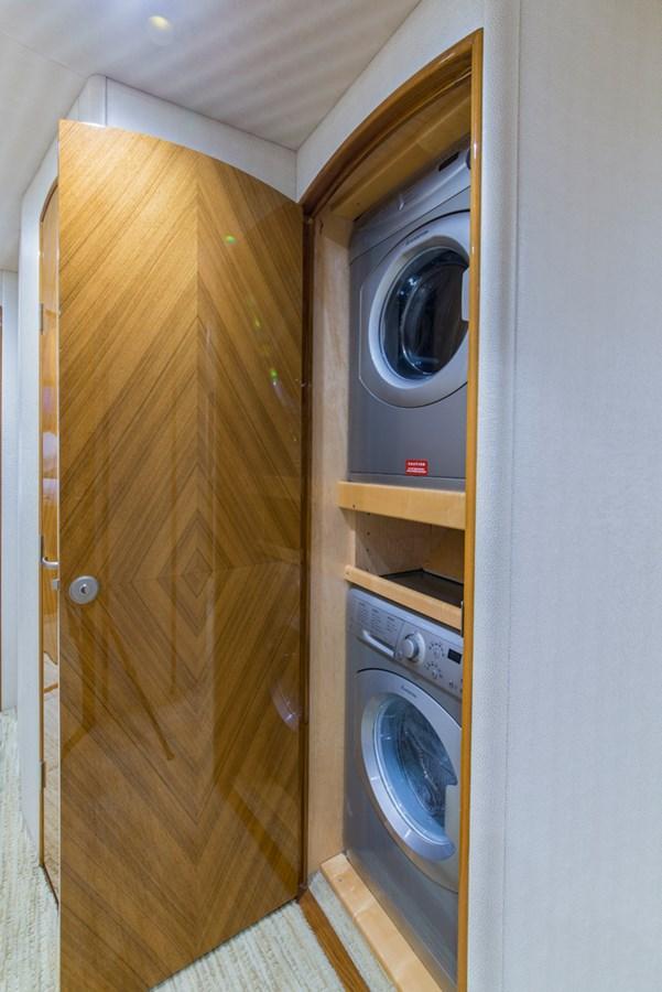 Laundry Center 2012 VIKING Enclosed Bridge Sport Fisherman 2706775