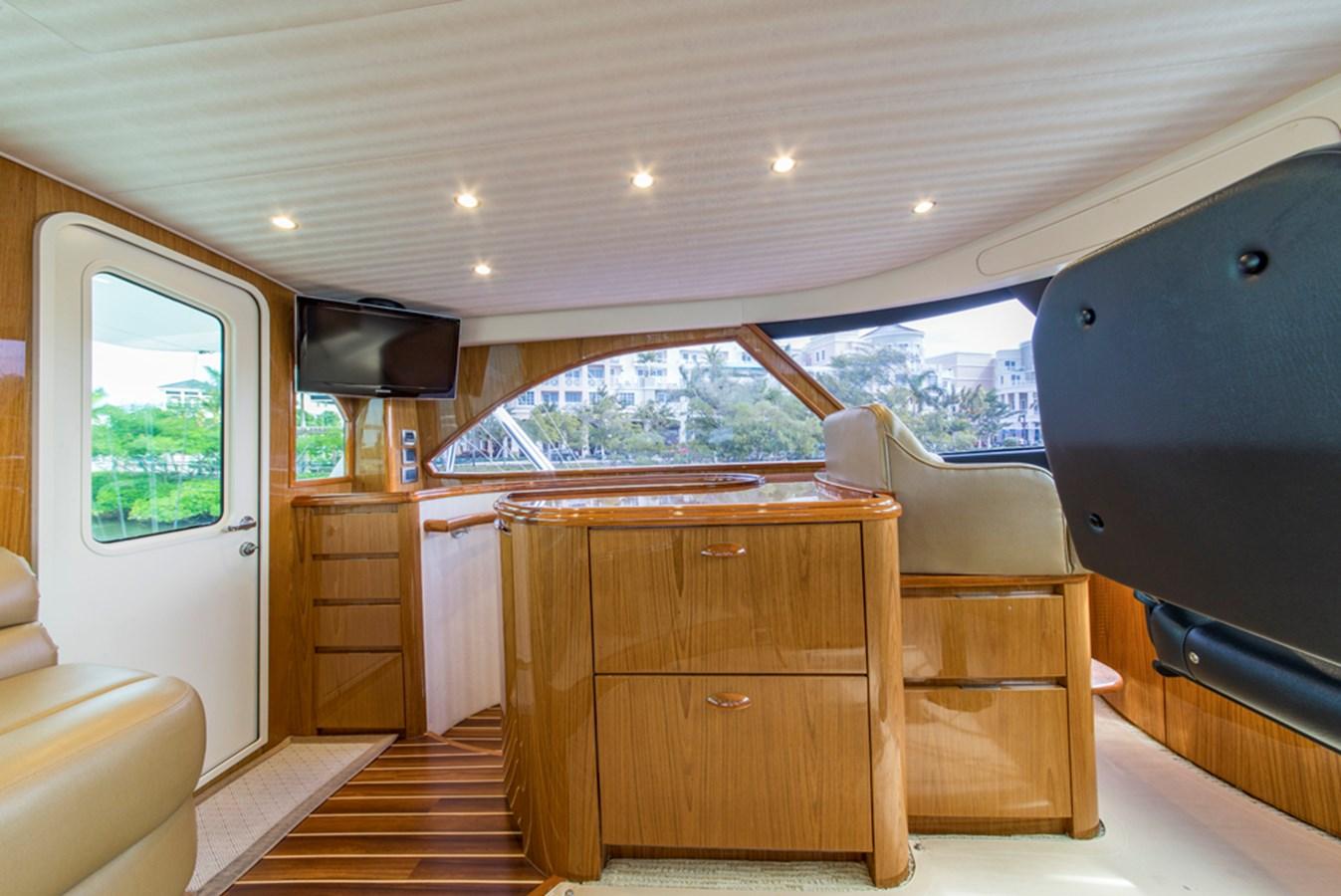 Enclosed Flybridge 2012 VIKING Enclosed Bridge Sport Fisherman 2706824