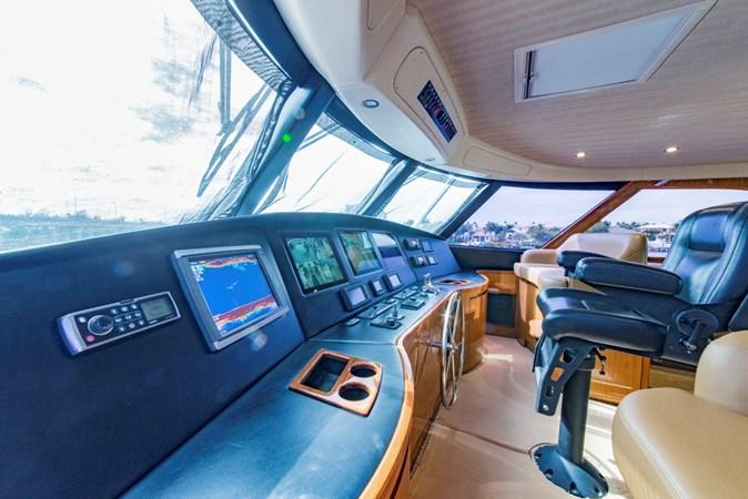 Enclosed Flybridge 2012 VIKING Enclosed Bridge Sport Fisherman 2706818