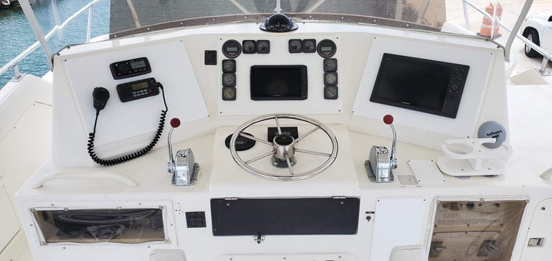20190928_130109 1989 BERTRAM 50 Convertible Motor Yacht 2715075