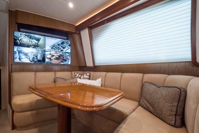 Dinette 2015 VIKING Enclosed Bridge Sport Fisherman 2707187