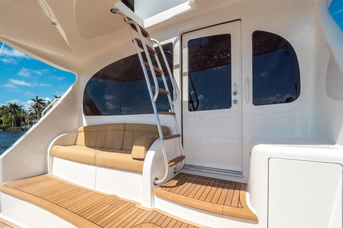 Cockpit 2015 VIKING Enclosed Bridge Sport Fisherman 2707213