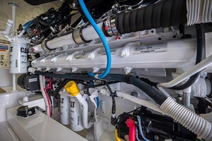 Engine Room 2015 VIKING Enclosed Bridge Sport Fisherman 2707225
