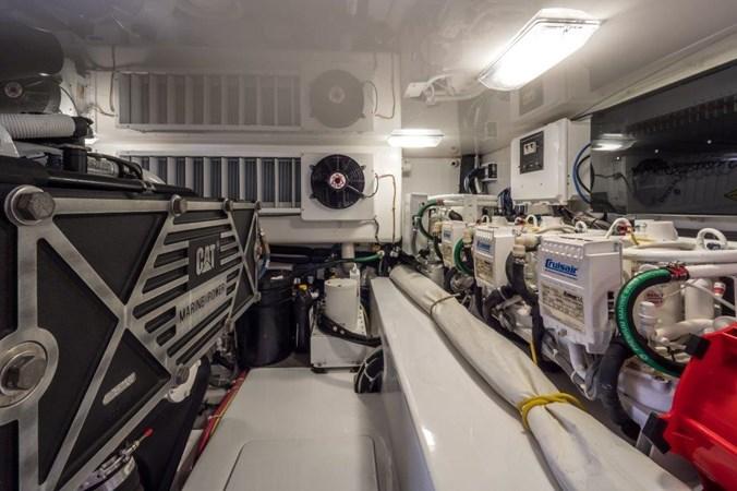 Engine Room 2015 VIKING Enclosed Bridge Sport Fisherman 2707227