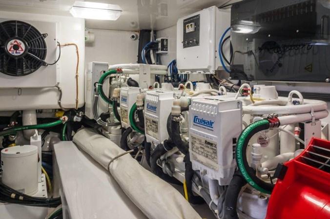 Engine Room 2015 VIKING Enclosed Bridge Sport Fisherman 2707229