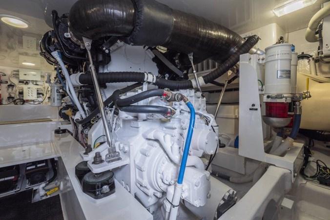 Engine Room 2015 VIKING Enclosed Bridge Sport Fisherman 2707233