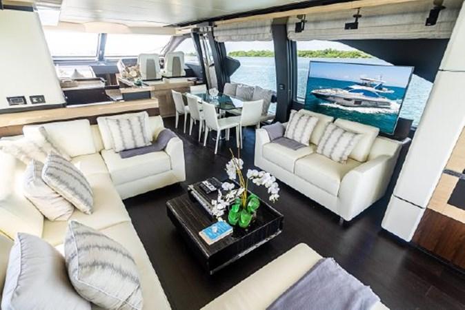 13 2017 AZIMUT 72 Flybridge Motor Yacht 2707348