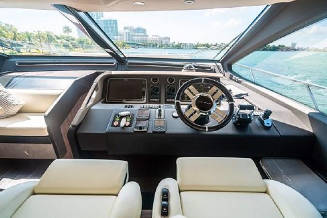 21 2017 AZIMUT 72 Flybridge Motor Yacht 2707356