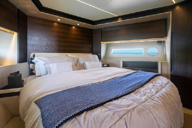 23 2017 AZIMUT 72 Flybridge Motor Yacht 2707358