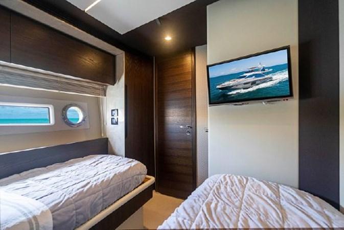 31 2017 AZIMUT 72 Flybridge Motor Yacht 2707366