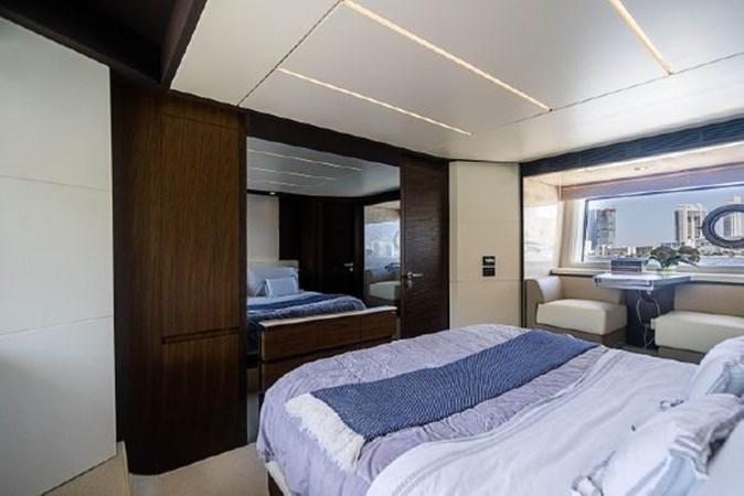 34 2017 AZIMUT 72 Flybridge Motor Yacht 2707369