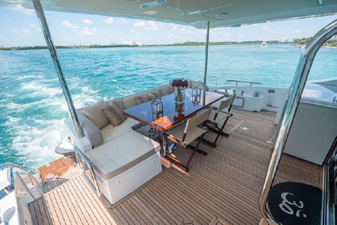 38 2017 AZIMUT 72 Flybridge Motor Yacht 2707373