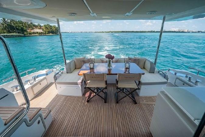39 2017 AZIMUT 72 Flybridge Motor Yacht 2707374