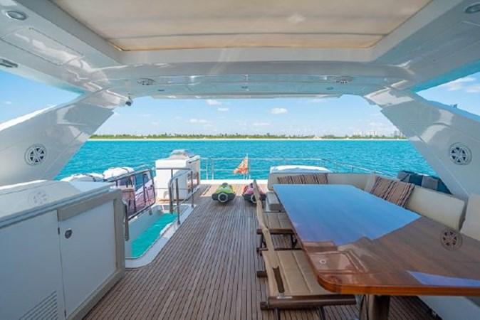 42 2017 AZIMUT 72 Flybridge Motor Yacht 2707377