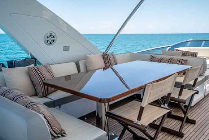 46 2017 AZIMUT 72 Flybridge Motor Yacht 2707381