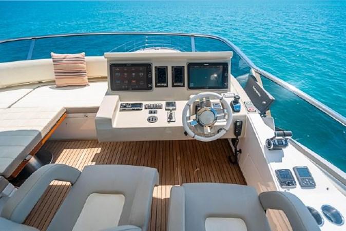 47 2017 AZIMUT 72 Flybridge Motor Yacht 2707382