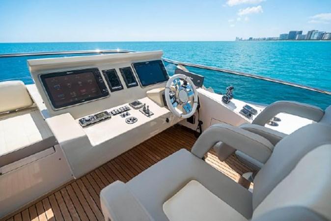 48 2017 AZIMUT 72 Flybridge Motor Yacht 2707383