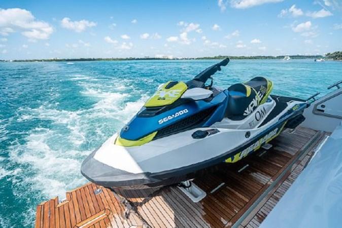 53 2017 AZIMUT 72 Flybridge Motor Yacht 2707388