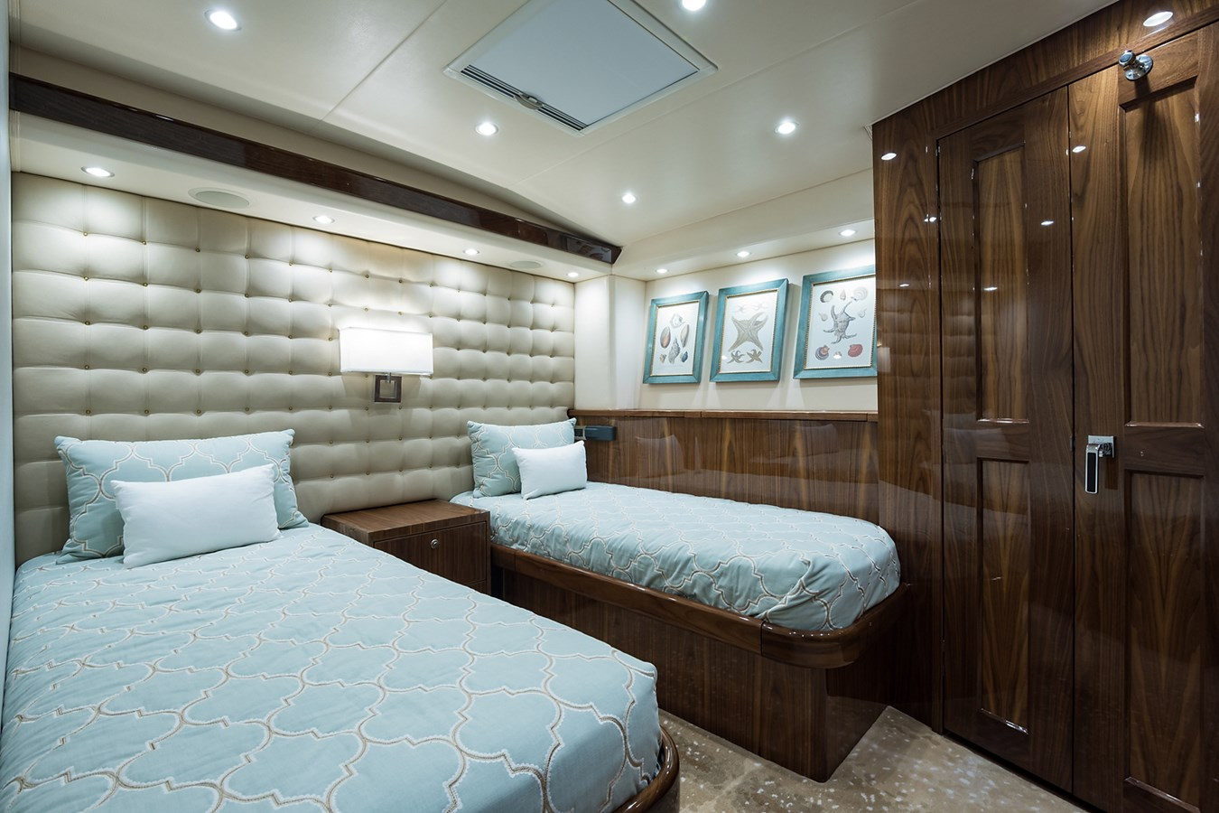 Port Guest Stateroom 2019 VIKING Enclosed Sport Fisherman 2707636