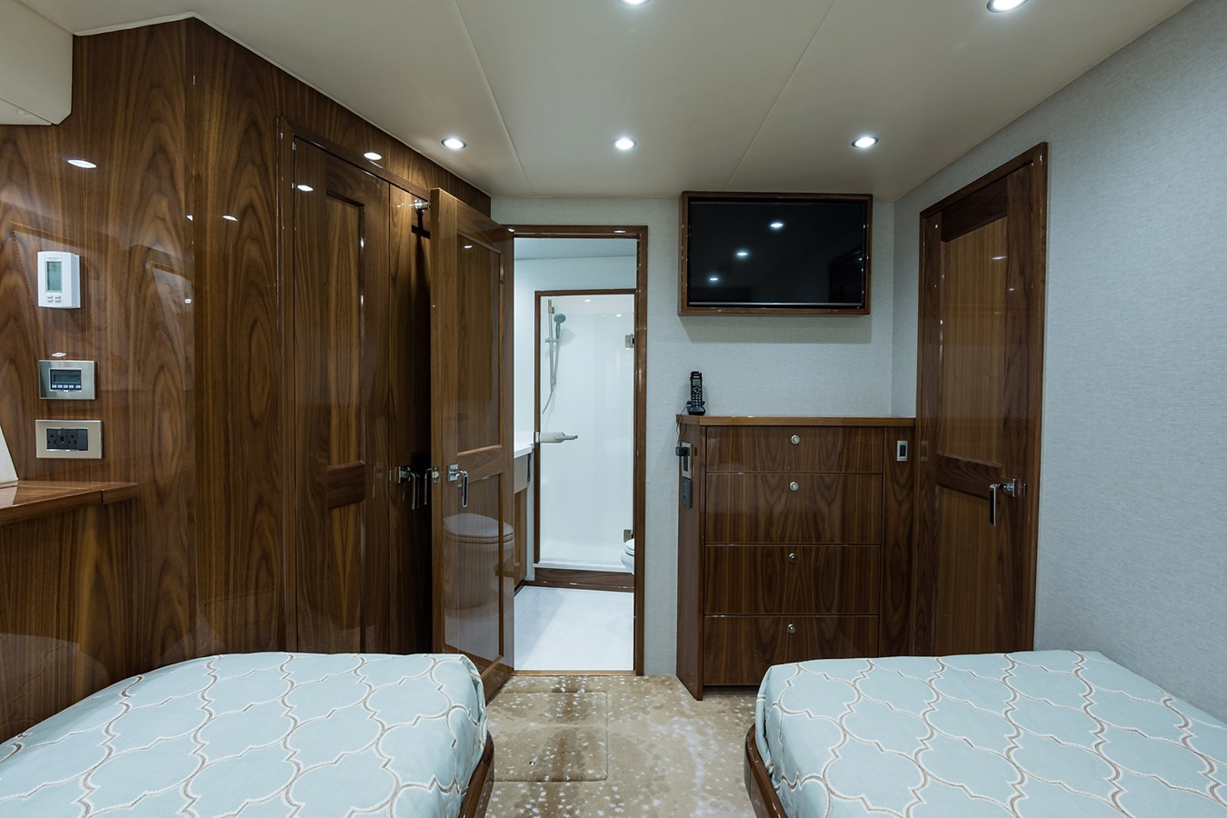 Port Guest Stateroom 2019 VIKING Enclosed Sport Fisherman 2707638