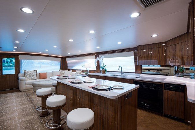 Galley 2019 VIKING Enclosed Sport Fisherman 2707601