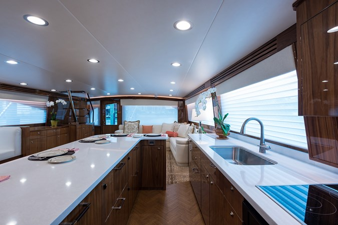 Galley 2019 VIKING Enclosed Sport Fisherman 2707603