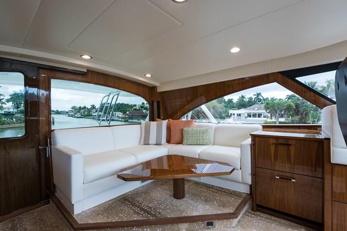 Enclosed Flybridge 2019 VIKING Enclosed Sport Fisherman 2707642
