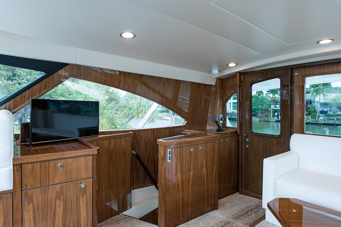 Enclosed Flybridge 2019 VIKING Enclosed Sport Fisherman 2707643