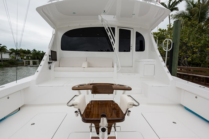 Cockpit 2019 VIKING Enclosed Sport Fisherman 2707652