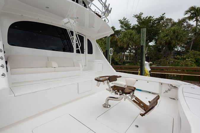 Cockpit 2019 VIKING Enclosed Sport Fisherman 2707653
