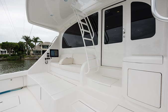 Cockpit 2019 VIKING Enclosed Sport Fisherman 2707654