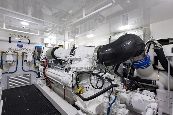 Engine Room 2019 VIKING Enclosed Sport Fisherman 2707658