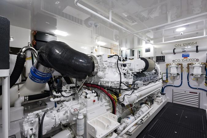 Engine Room 2019 VIKING Enclosed Sport Fisherman 2707659