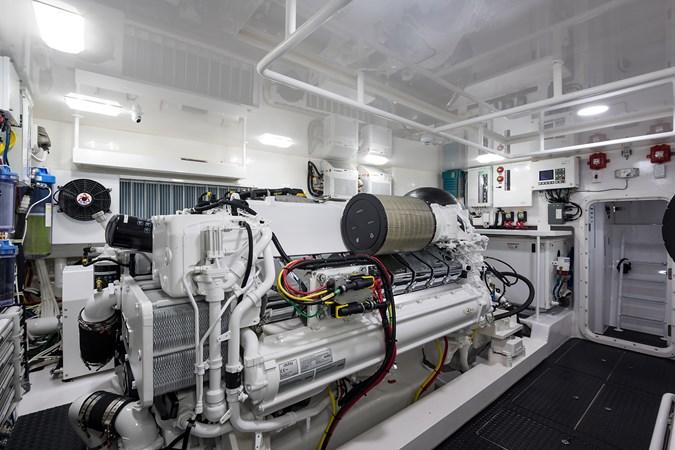 Engine Room 2019 VIKING Enclosed Sport Fisherman 2707660