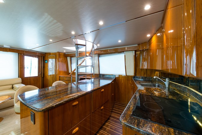 Galley 2013 VIKING Enclosed Bridge Sport Fisherman 2707769