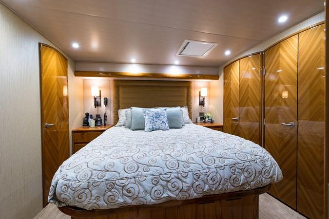 Master Suite 2013 VIKING Enclosed Bridge Sport Fisherman 2707773