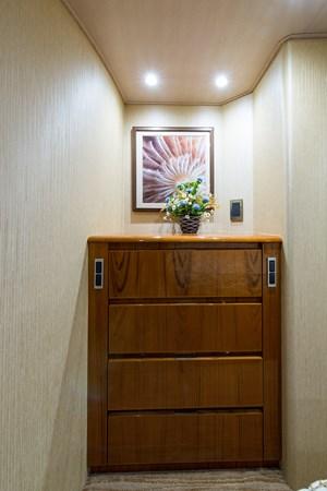 Master Suite 2013 VIKING Enclosed Bridge Sport Fisherman 2707776