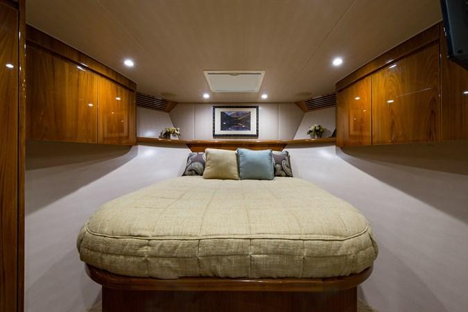 Forward Guest Suite 2013 VIKING Enclosed Bridge Sport Fisherman 2707779