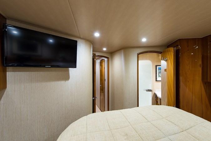 Forward Guest Suite 2013 VIKING Enclosed Bridge Sport Fisherman 2707780