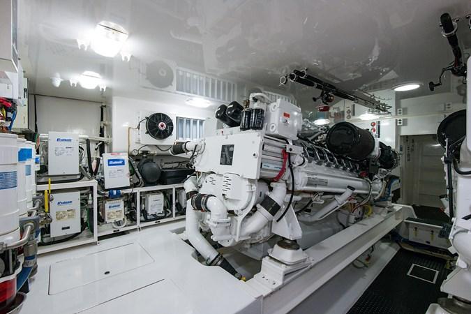 Engine Room 2013 VIKING Enclosed Bridge Sport Fisherman 2707800