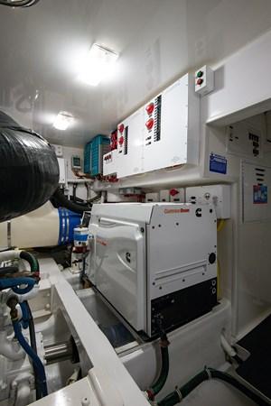 Engine Room 2013 VIKING Enclosed Bridge Sport Fisherman 2707804