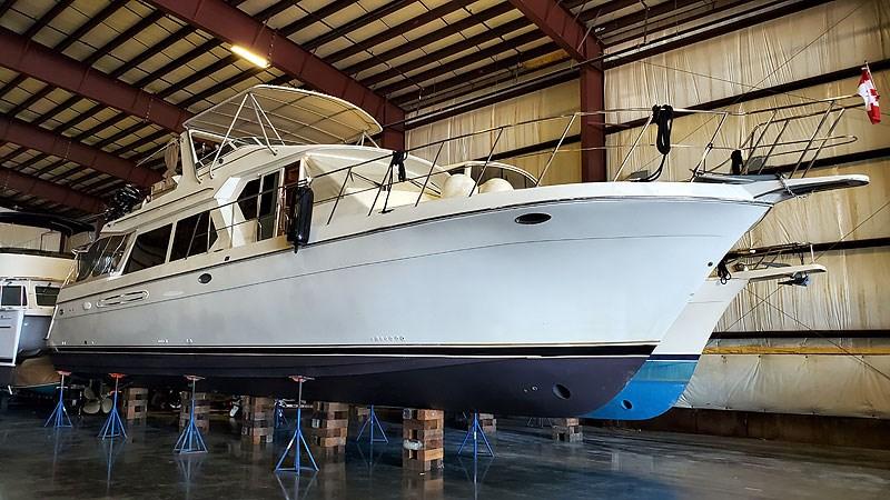 1 Coast BLVD 2004 NAVIGATOR 5700 Rival Pilothouse Motor Yacht 2708979