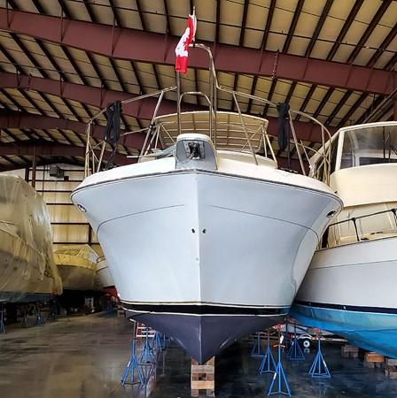 03ProfileBow 2004 NAVIGATOR 5700 Rival Pilothouse Motor Yacht 2708982